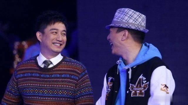 他是导演中最会演戏的,和黄磊搭戏成好友,50多岁始终不要孩子
