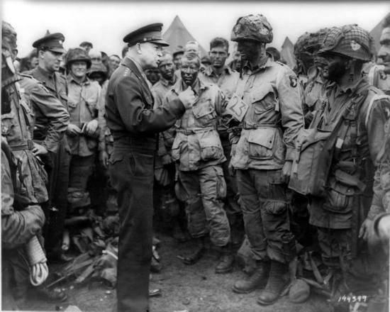 原创             军工复合体下的美国,为何特朗普四年一仗未打,便已是战绩骄人?