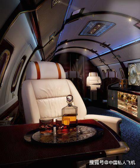 公务早班机 时尚奢侈品牌与私人飞机那些事香奈儿走秀道具爱马仕设计内饰
