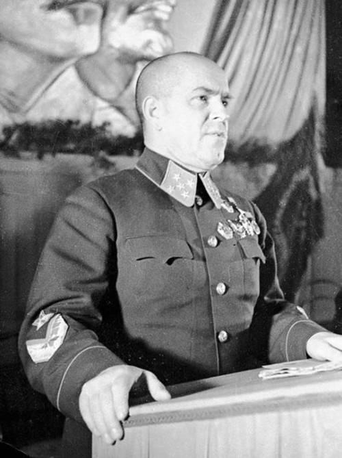 从农村贫苦人家闯出来的苏军大将朱可夫, 为何会让日德胆寒?