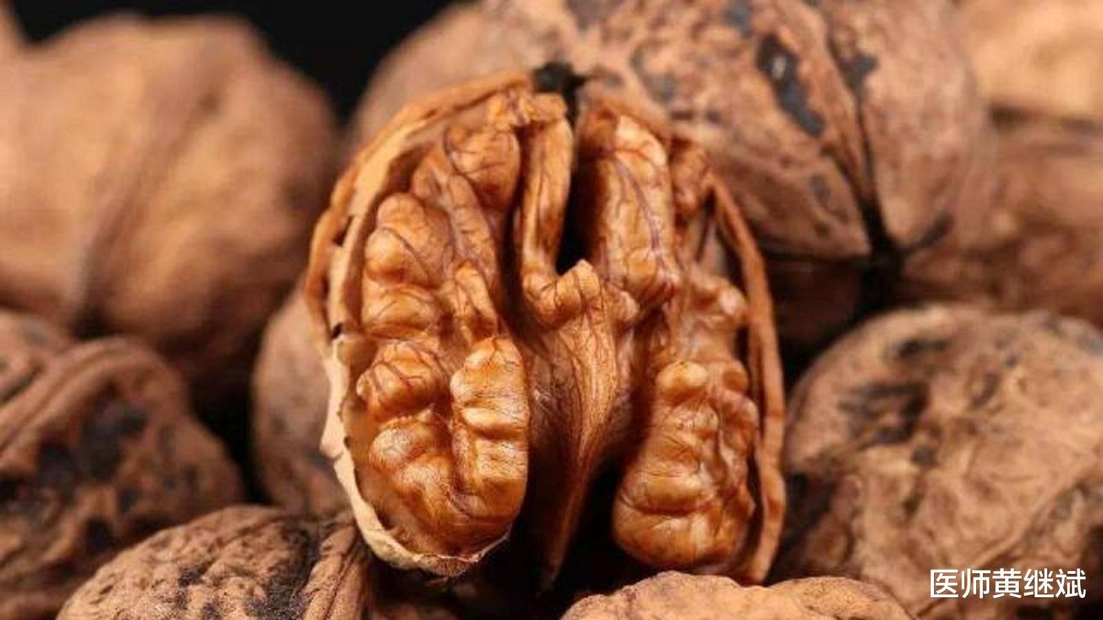 原创少年白发是什么原因导致?和营养不良有关,可通过食疗改善发质