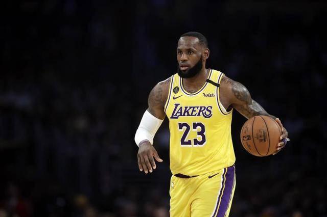 NBA經過長時間的論討和研究,最終決定22支球隊參加在奧蘭多迪士尼比賽