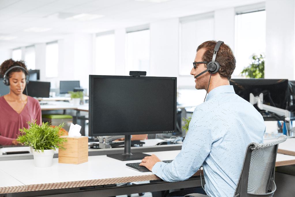 高效协同 灵活办公新体验 罗技发布全新Zone Wired有线耳机麦克风