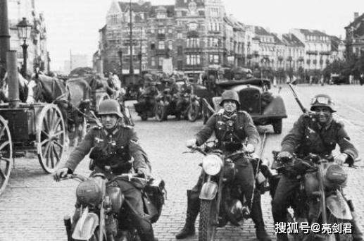德国二战人口_二战时若让德国单挑美国,德国能赢吗 3个方面一对比就清楚了