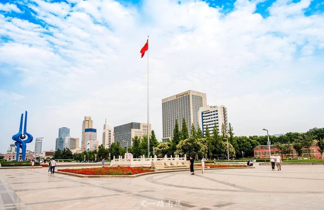 """原创             济南最大广场,我国唯一的""""联合国国际艺术广场"""",现为旅游胜地"""