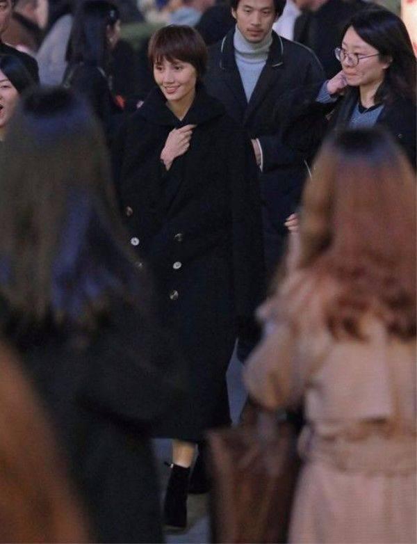 原创不化妆以后,袁泉看着跟普通人一样,在人群中不起眼的!
