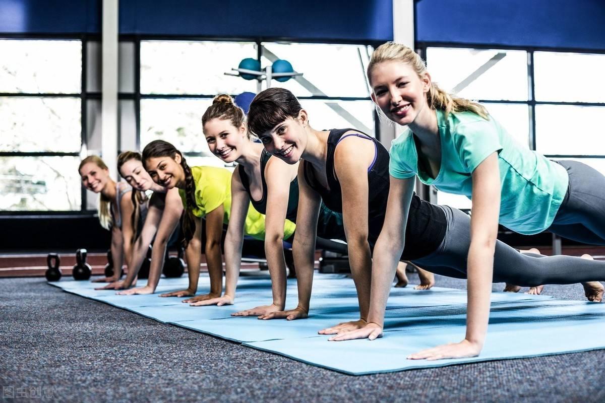 每天做这个动作5次,放松肌肉,提高身体灵活性 减脂食谱 第2张
