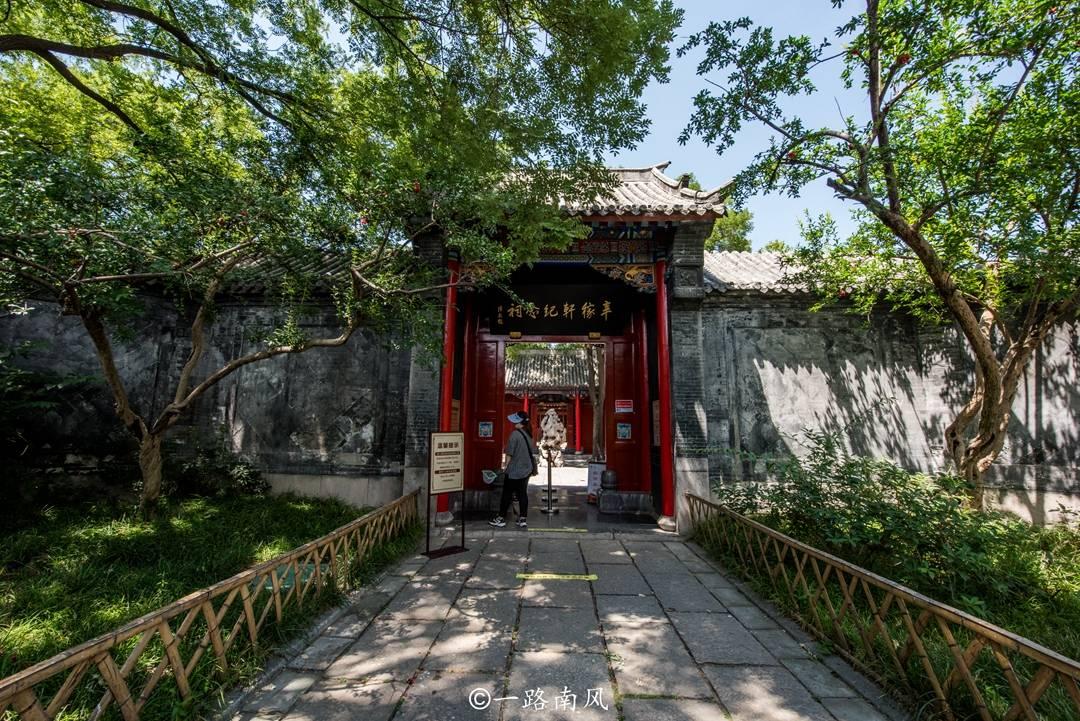 原创             辛稼轩到底是谁?济南大明湖畔最好的位置为它建祠,现成知名景点