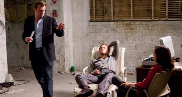 诺兰不允许片场放椅子