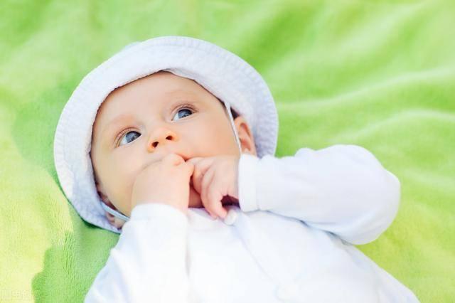 发宝宝照片配个性说说微信晒娃唯美句子