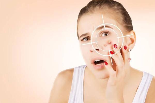 """用化妆水皮肤有刺痛感,因为""""缺水""""?真相或不如你所想"""