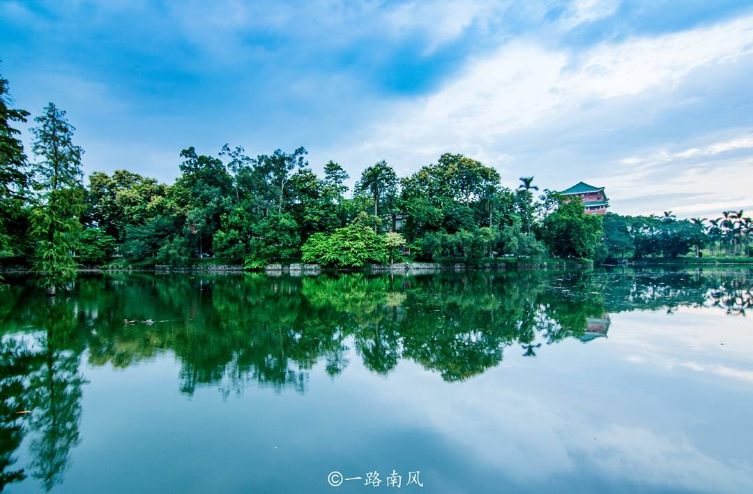 原创             广东最美的大学,景色媲美知名旅游景区,就在广州