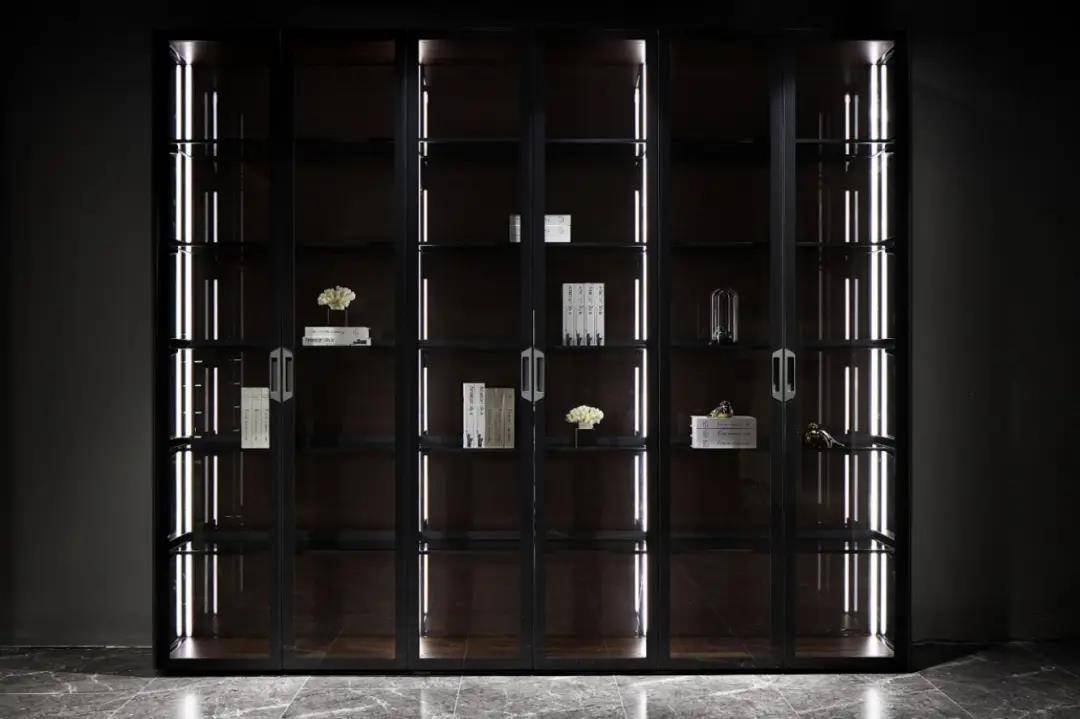 ag体育娱乐:大工厂也来生产铝合金家具。 宝来引擎盖是铝合金