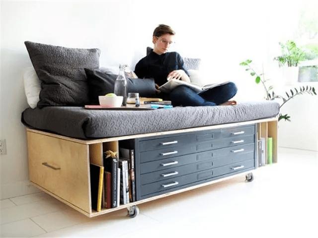 许多年轻人喜爱能够自由移动、灵活应对多种使用场景的家具 家具加盟