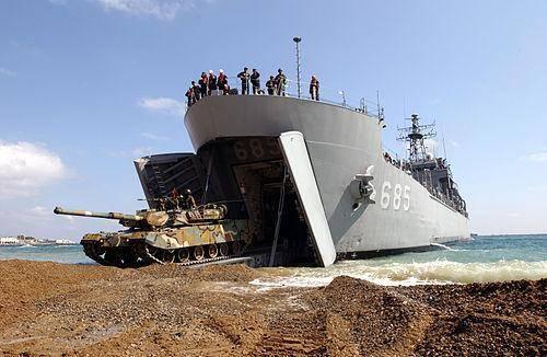浅析荷兰和法国的两栖登陆舰发展:侧重点各有不同,但目的一致_中欧新闻_欧洲中文网