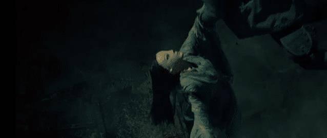 重启之极海听雷女皮俑为什么总跟着吴邪 哑巴公主为什么救吴邪