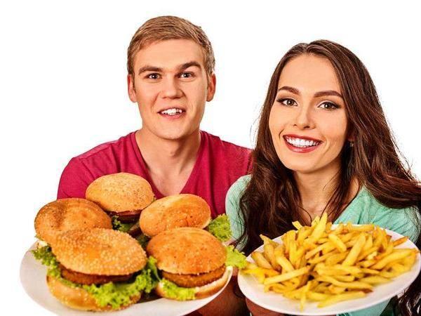 医生直言:这四种食物再喜欢也最好少吃,有人不听,湿气越来越重!