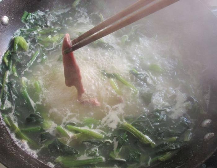 这菜和它搭配补铁补钙最适合春天,孩子常吃长得高眼睛亮