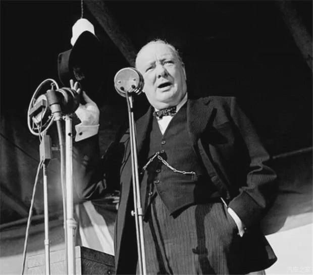 丘吉尔:战时首相,永不放弃,用精神信念重燃英国人心中的骄傲_德国新闻_德国中文网
