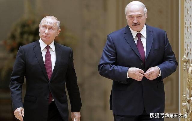反目成仇?卢卡申科与乌克兰合作,俄恼羞成怒:大批坦克开赴边境