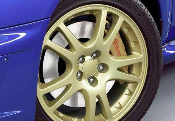 轮胎压力正常值为2.5,低于此值。你