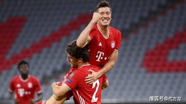 拜仁成为晋级热门!德国足坛人士一边倒力挺:莱万比梅西要强_中欧新闻_欧洲中文网