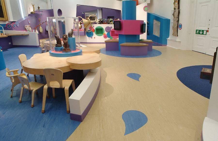 适合幼儿园地板材料:环保型PVC地