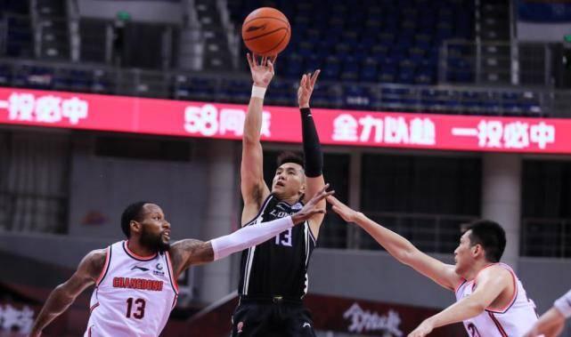 CBA总决赛迎来了第一轮对决,辽宁男篮88-110