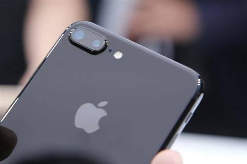 【中金:苹果中国区下架微信概率不大,对iPhone销