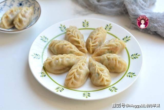 三伏天,用这些菜做蒸饺,8分钟出锅,柔软香嫩,手抓着吃更过瘾