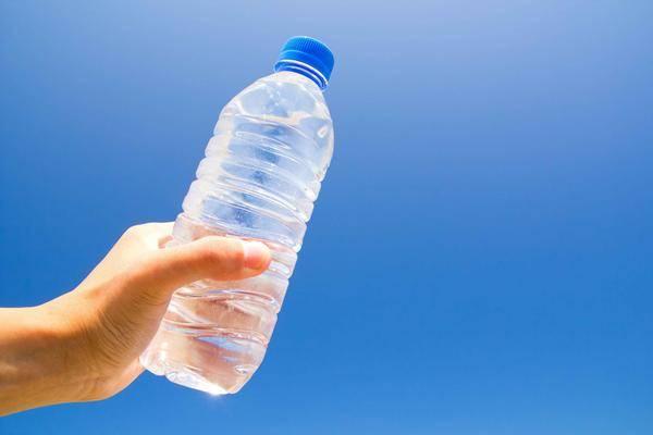 不是蜂蜜水,也不是盐水,早起喝一杯它,排出毒素,多个器官受益