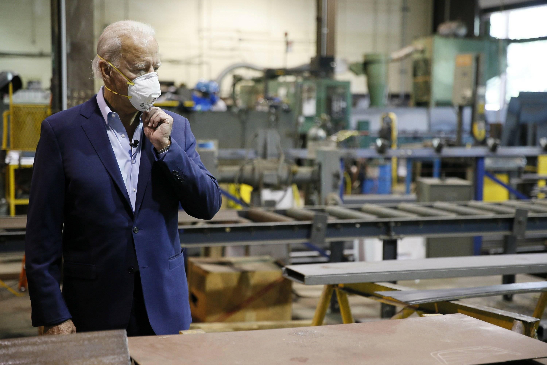 拜登呼吁美民众戴口罩 美国累计新冠肺炎确诊病例超过1000万例