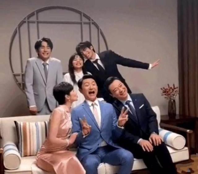 《以家人之名》贺子秋妈妈回归,与李爸结婚,一家四口整整齐齐