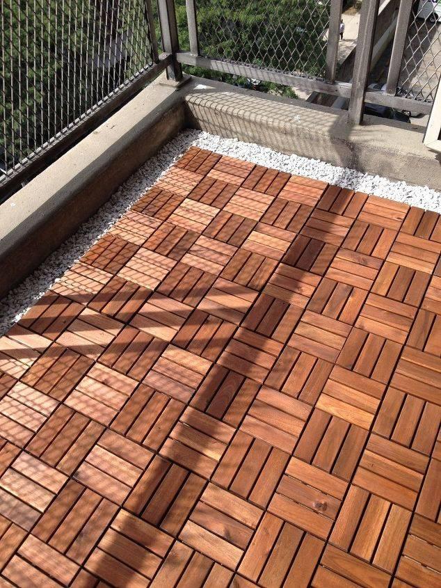 铺地面瓷砖视频_鹅卵石阳台砖