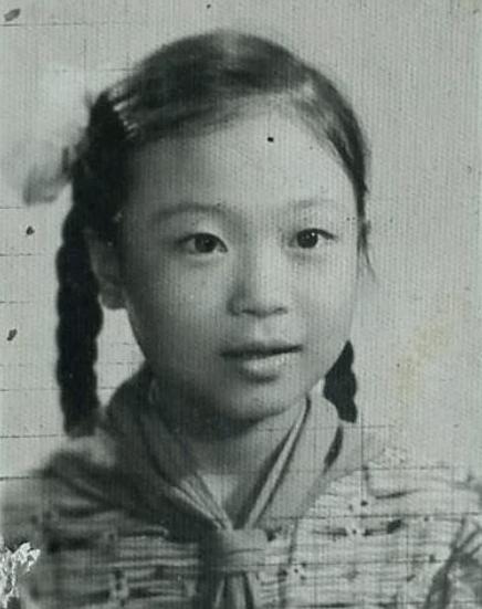 原创清华才女不顾父母反对,坚决嫁给非洲穷小子,为他生娃,24年后她变成了这样..
