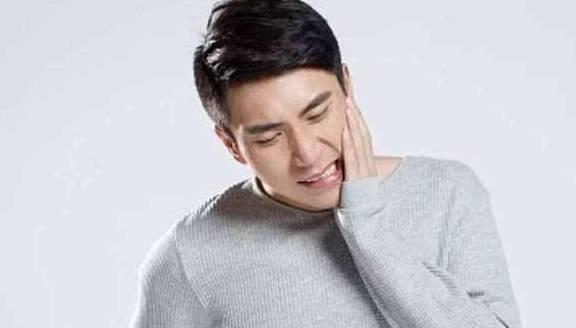 如果我牙痛得厉害怎么办?医生:记住这