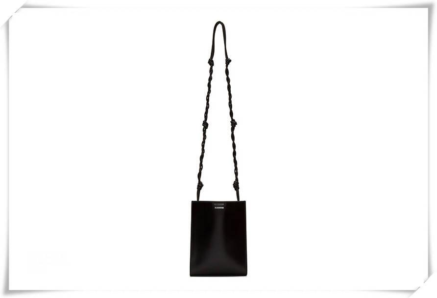 原创             喜爱极简穿搭的你,背上这些个性的黑色小众包包吧!