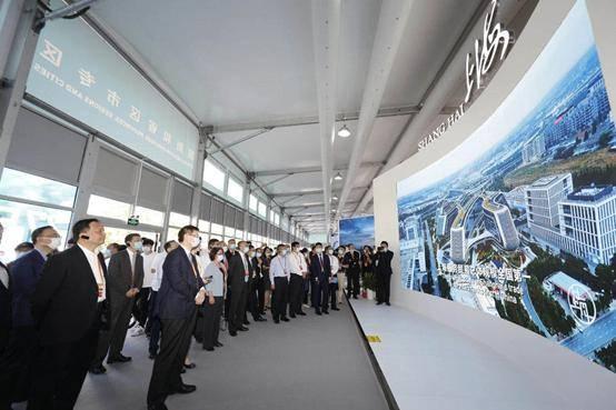 星环科技带你看上海展区大数据&AI黑科技,软件实力无处不在
