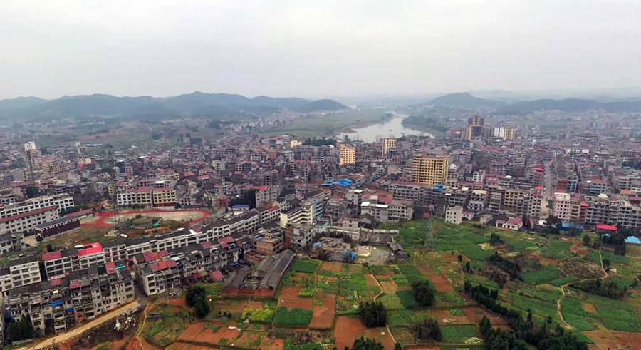 湖南人口最多的镇_湖南人口最多的镇,超过14万,比韶山市人口还多