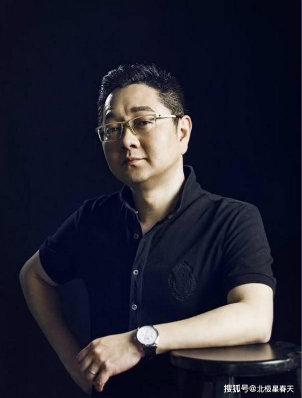 主持人张绍刚48岁痴迷健身,瘦身后被指没精神,晒肌肉健硕有型