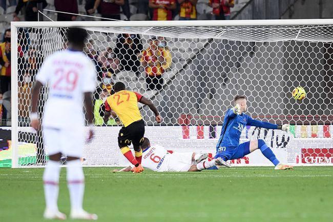 法甲-加纳戈中柱+破门 巴黎0-1朗斯遭遇赛季开门黑