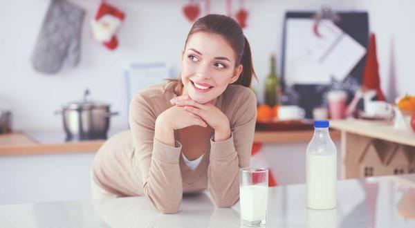 45岁是卵巢保养的关键期,4类食物敞开吃,滋养卵巢,人显得更加年轻
