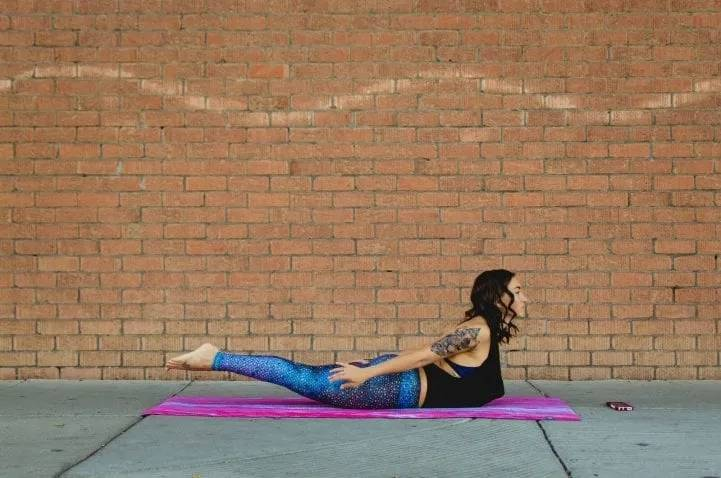 学会九个瑜伽动作,减脂瘦身不是问题,形象更突出,身材更加曼妙有型_身体