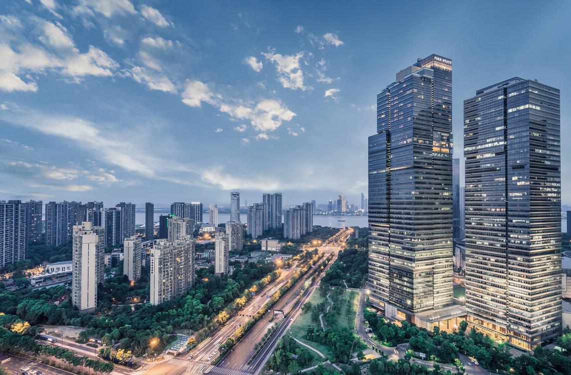 <b>郑州房价跌势震荡不断,刚性需求人群购房氛围升温 泉州房价下跌</b>