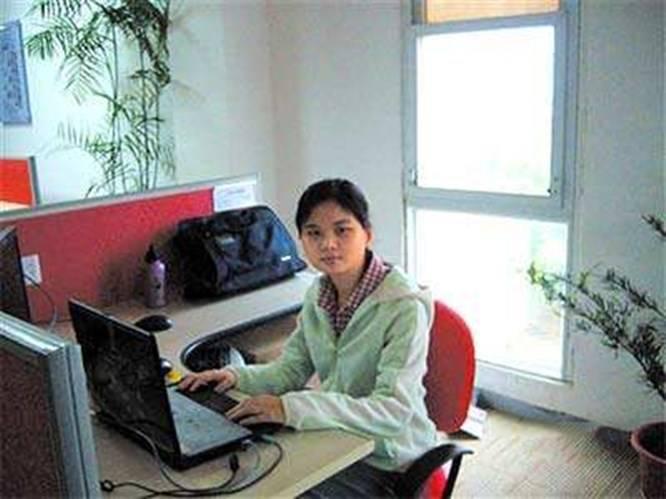 她高考得了385分,考上了一所二级学院。