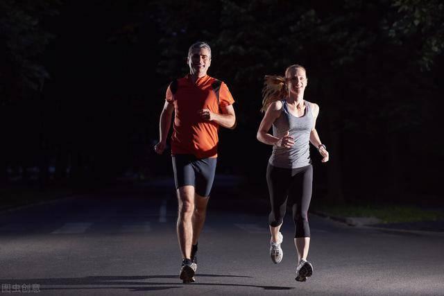 晚上坚持4个好习惯,睡觉也能持续燃脂,促进体重下降!