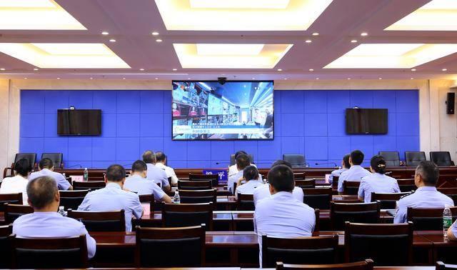 梁平区公安局组织收看2020线上智博会开幕式