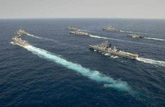 航母带头,72艘舰艇倾巢而出,叫嚣打赢两线战争,把印度洋变内湖