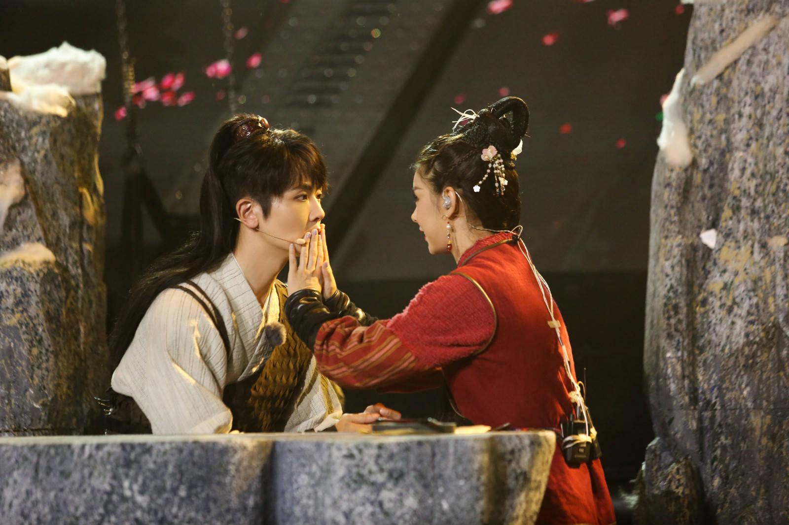 刘端端《跨界歌王》演绎金庸舞台剧 戏剧功底全场好评