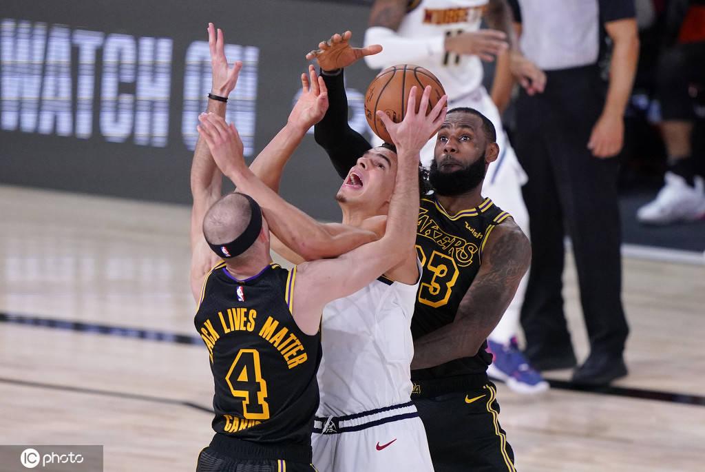 波特砍15+4屡抢要害篮板